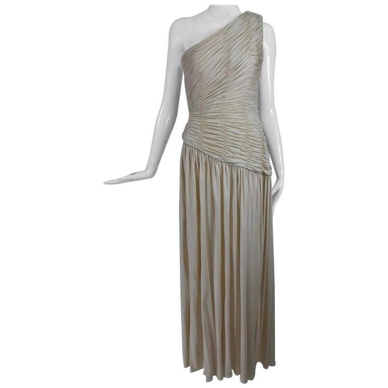 Oscar de la Renta Cream Shirred Bodice One Shoulder Gown 1990s For Sale