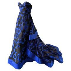 Oscar de la Renta Dramatic Strapless Evening Gown with Floral Applique on Net