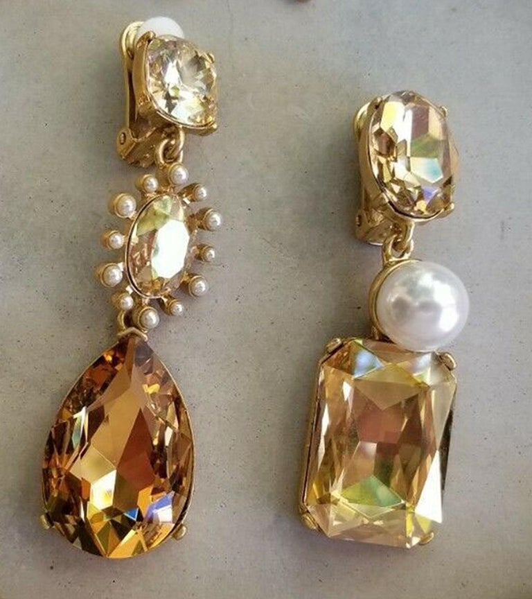 Oscar De La Renta Faux Pearls and Crystal Necklace and Drop Earrings Estate Find For Sale 1