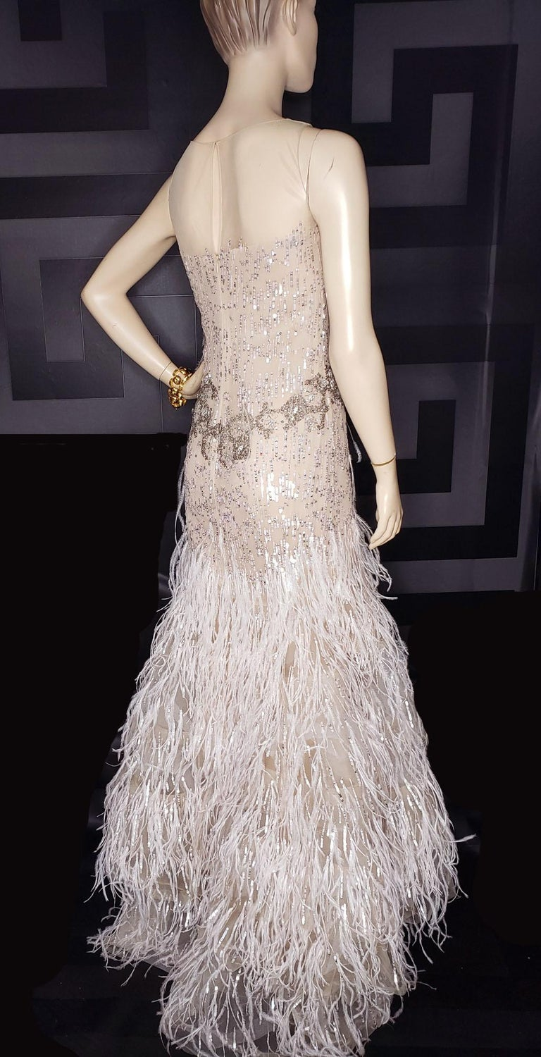 Women's OSCAR DE LA RENTA FEATHER and SEQUIN EMBELLISHED NUDE TULLE GOWN For Sale