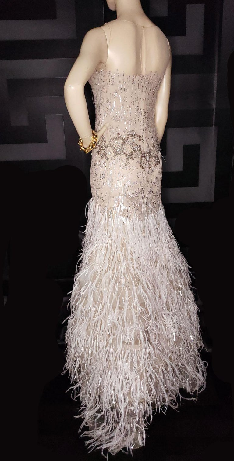 OSCAR DE LA RENTA FEATHER and SEQUIN EMBELLISHED NUDE TULLE GOWN For Sale 1