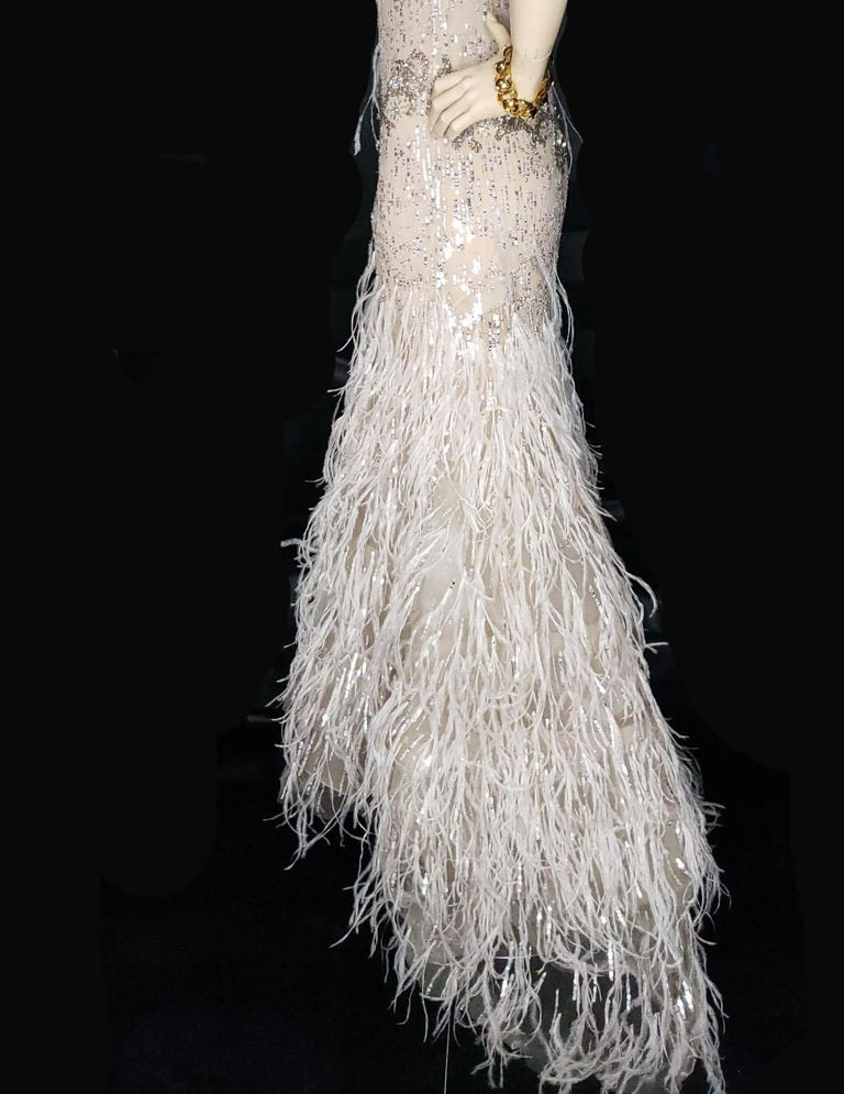 OSCAR DE LA RENTA FEATHER and SEQUIN EMBELLISHED NUDE TULLE GOWN For Sale 2