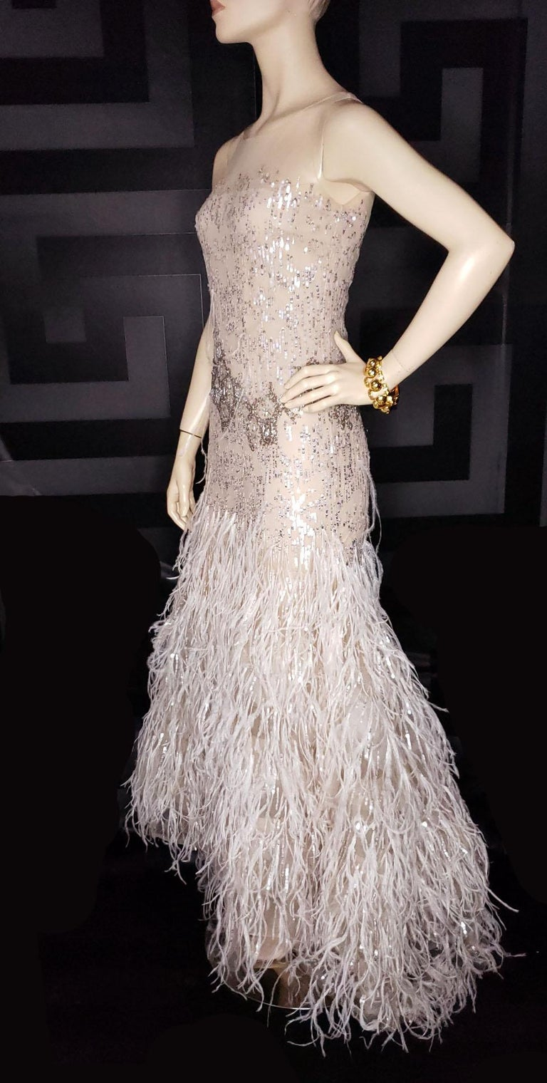 OSCAR DE LA RENTA FEATHER and SEQUIN EMBELLISHED NUDE TULLE GOWN For Sale 3