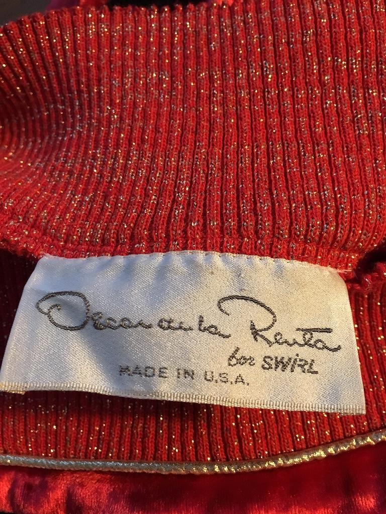 Oscar de la Renta for Swirl 1980s Red Velvet & Metallic Trim Blouse Size P. For Sale 14