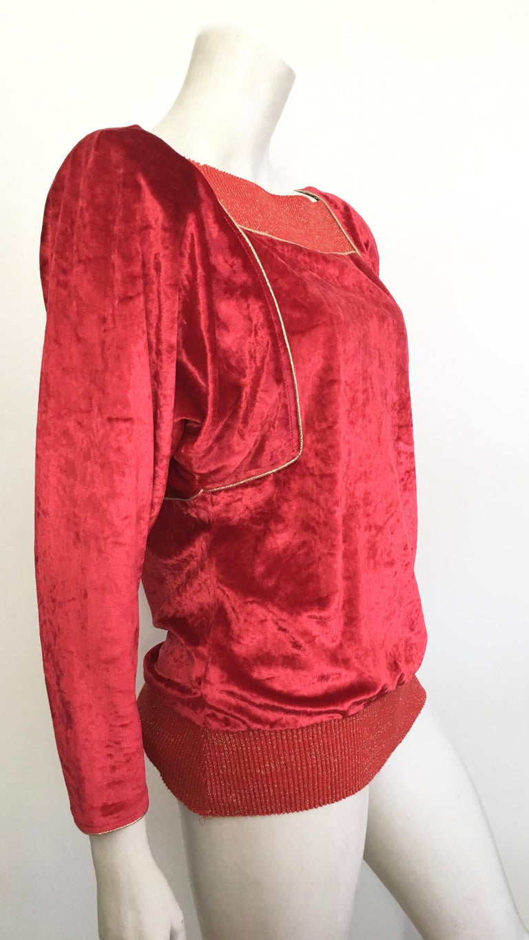 Oscar de la Renta for Swirl 1980s Red Velvet & Metallic Trim Blouse Size P. For Sale 3