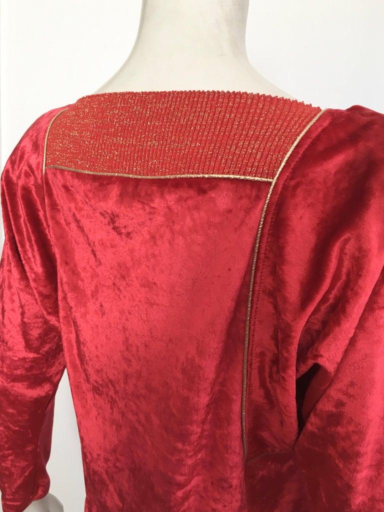 Oscar de la Renta for Swirl 1980s Red Velvet & Metallic Trim Blouse Size P. For Sale 5