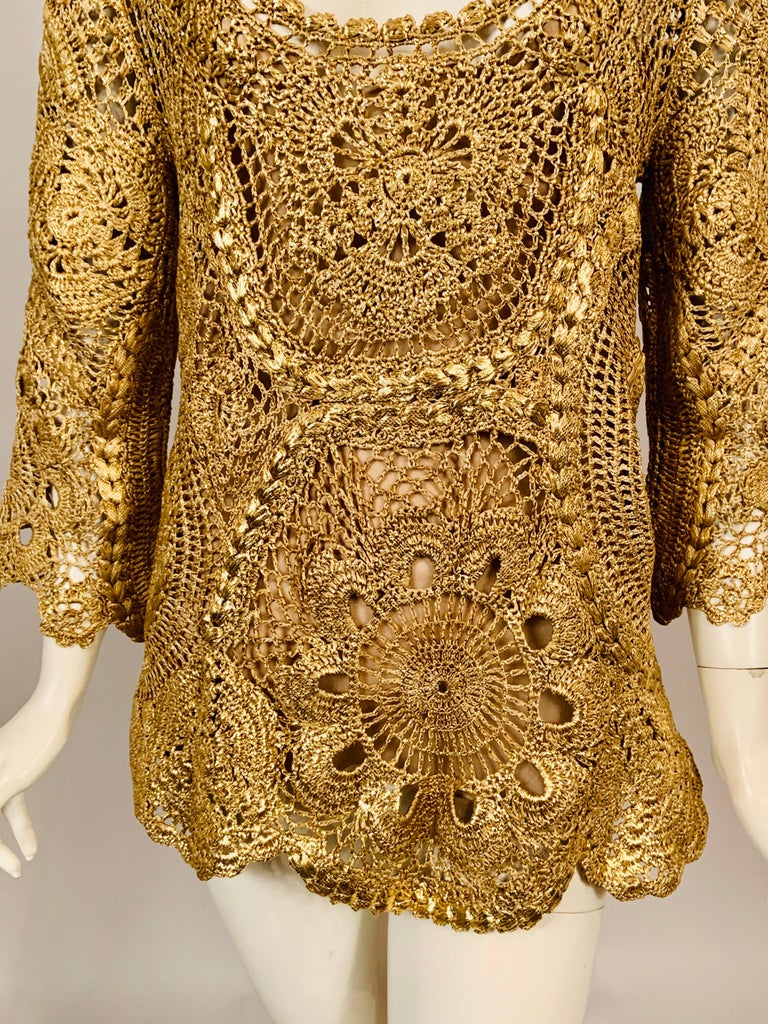 Oscar de la Renta Gold Lacquered Hand Crocheted Silk Tunic with Original Tags  In New Condition For Sale In New Hope, PA