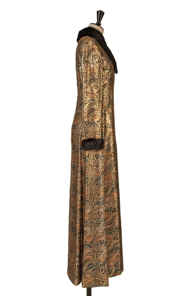 Oscar de la Renta Gold Metallic Brocade Sable Trim Evening Dress, c. Fall 1970 In Excellent Condition For Sale In Munich, DE
