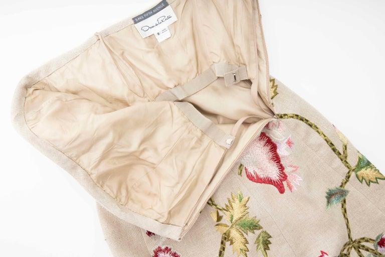 Oscar de La Renta Linen Silk Embroidered Strapless Dress, Circa: Early 2000s For Sale 4