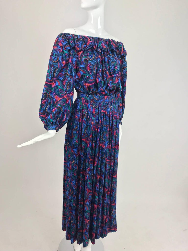Purple Oscar de la Renta Miss O silk paisley peasant style set  For Sale