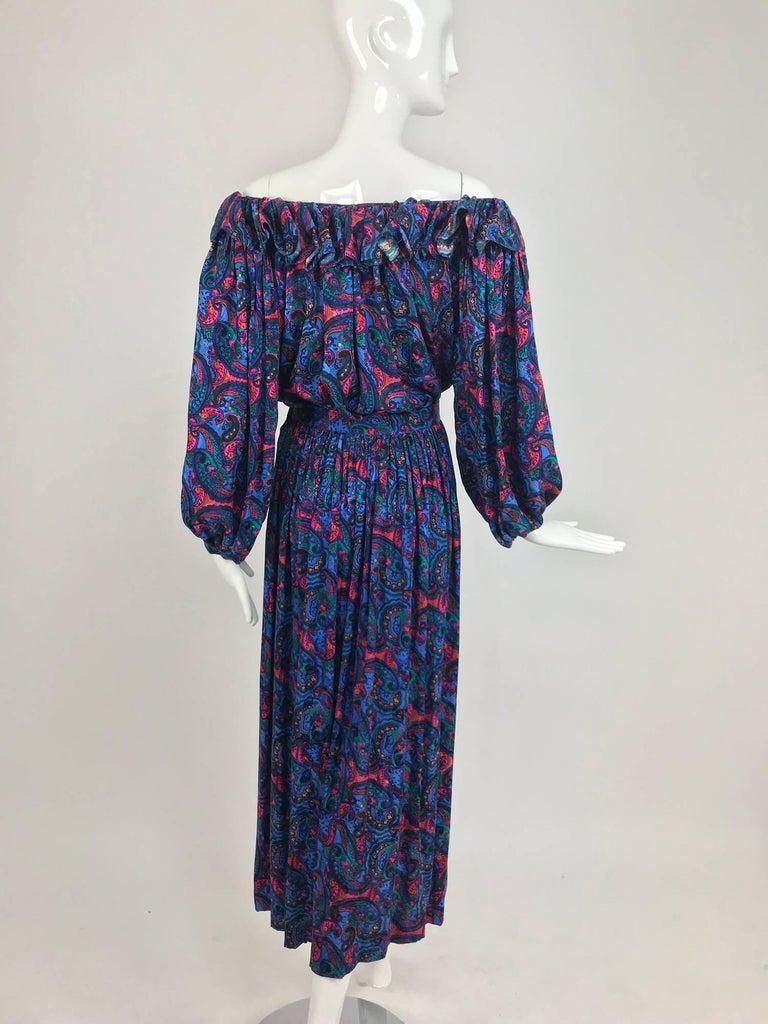 Women's Oscar de la Renta Miss O silk paisley peasant style set  For Sale