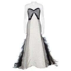 Oscar de la Renta Monochrome Embellished Silk and Lace Paneled Strapless Gown S