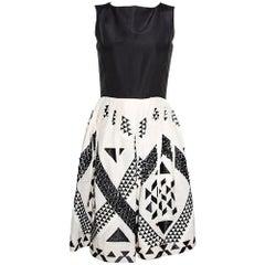 Oscar de la Renta Monochrome Silk Embellished Sleeveless Dress S