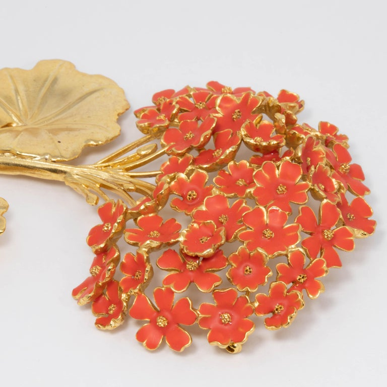 Oscar de la Renta Painted Cayenne Orange Geranium Bouquet Pin Brooch in Gold In New Condition For Sale In Milford, DE
