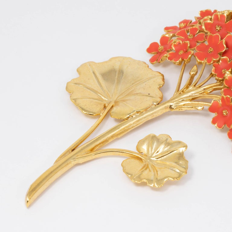 Women's Oscar de la Renta Painted Cayenne Orange Geranium Bouquet Pin Brooch in Gold For Sale