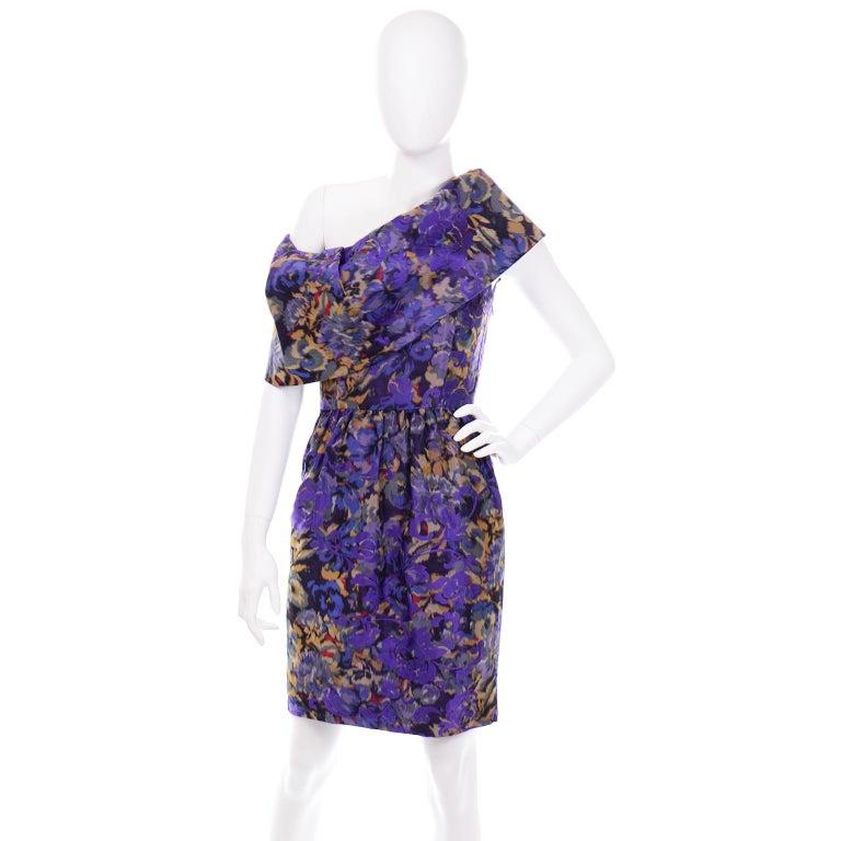Oscar de la Renta Purple Floral Silk Runway Dress Fall 2007 In Excellent Condition For Sale In Portland, OR