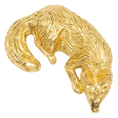 KJL Kenneth Jay Lane  Resting Fox Pin Brooch in Gold