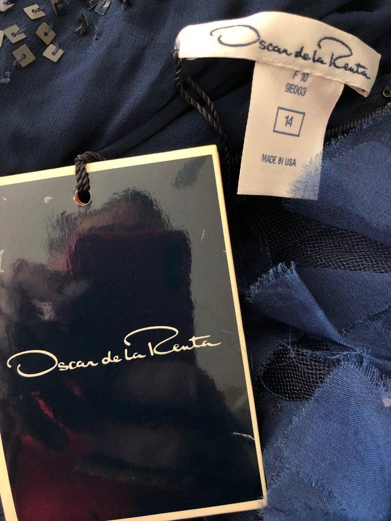 Oscar de la Renta Romantic Navy Blue Evening Gown in Hard to Find Size 14 5