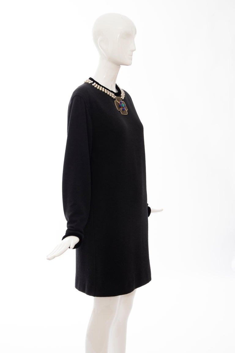 Women's Oscar de la Renta Runway Black Embroidered Neckline Sweater Dress, Fall 1984 For Sale