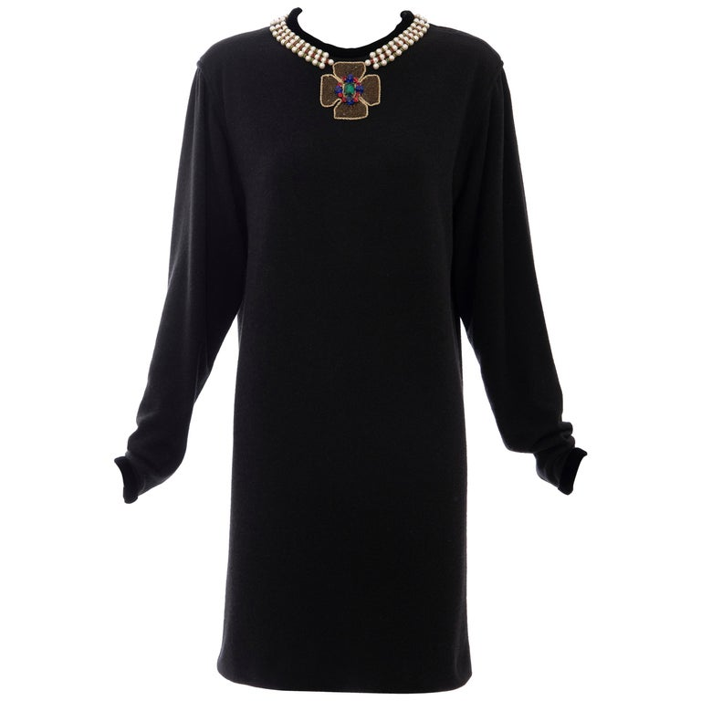 Oscar de la Renta Runway Black Embroidered Neckline Sweater Dress, Fall 1984 For Sale