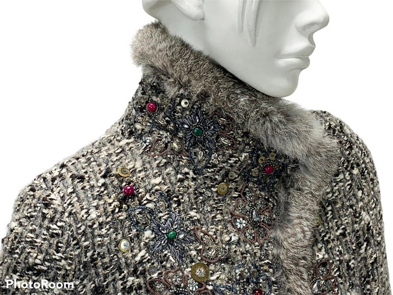 Oscar De La Renta Runway F/W 2004 Beaded Embroidered Fur Trim Coat Cardigan  For Sale 7