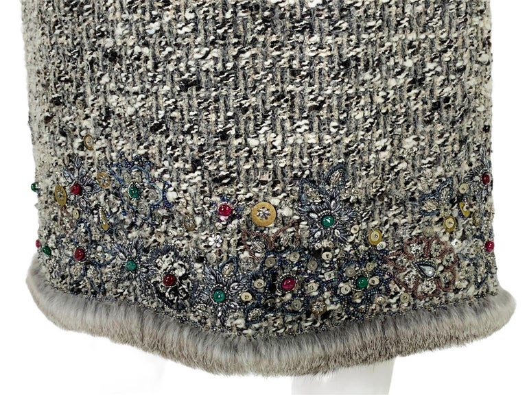 Oscar De La Renta Runway F/W 2004 Beaded Embroidered Fur Trim Coat Cardigan  For Sale 12