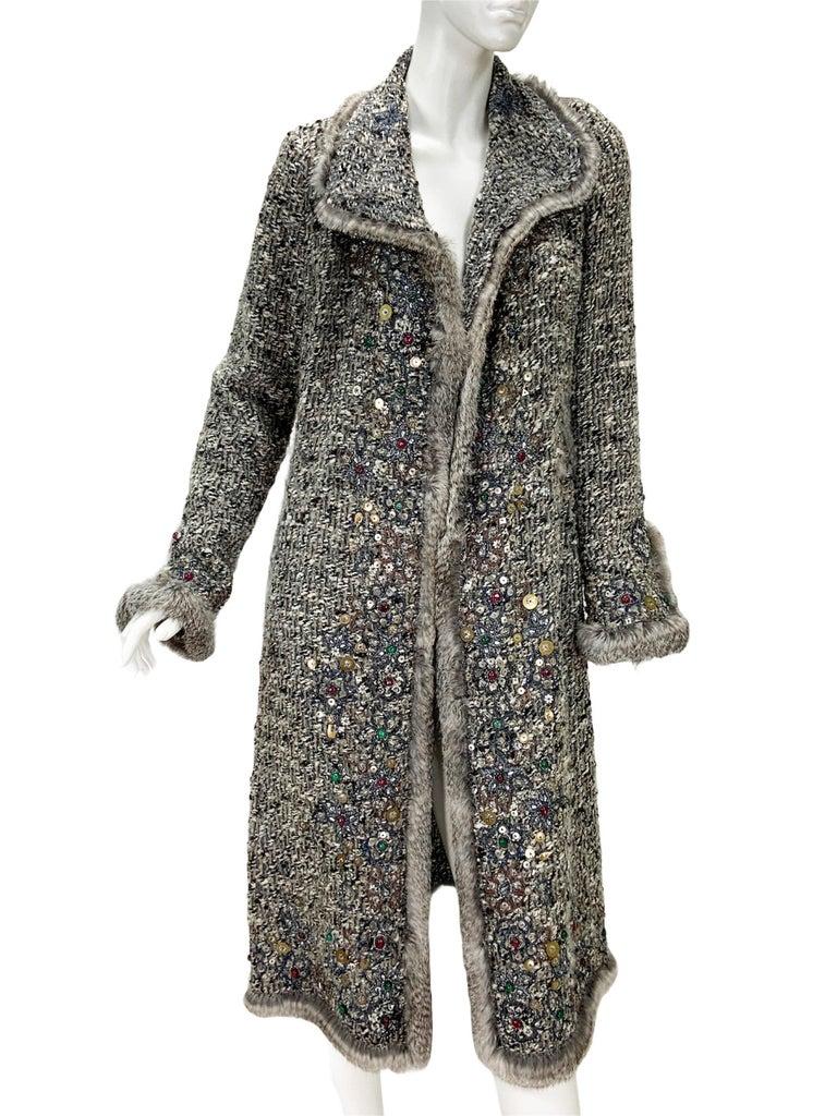 Oscar De La Renta Runway F/W 2004 Beaded Embroidered Fur Trim Coat Cardigan  For Sale 3