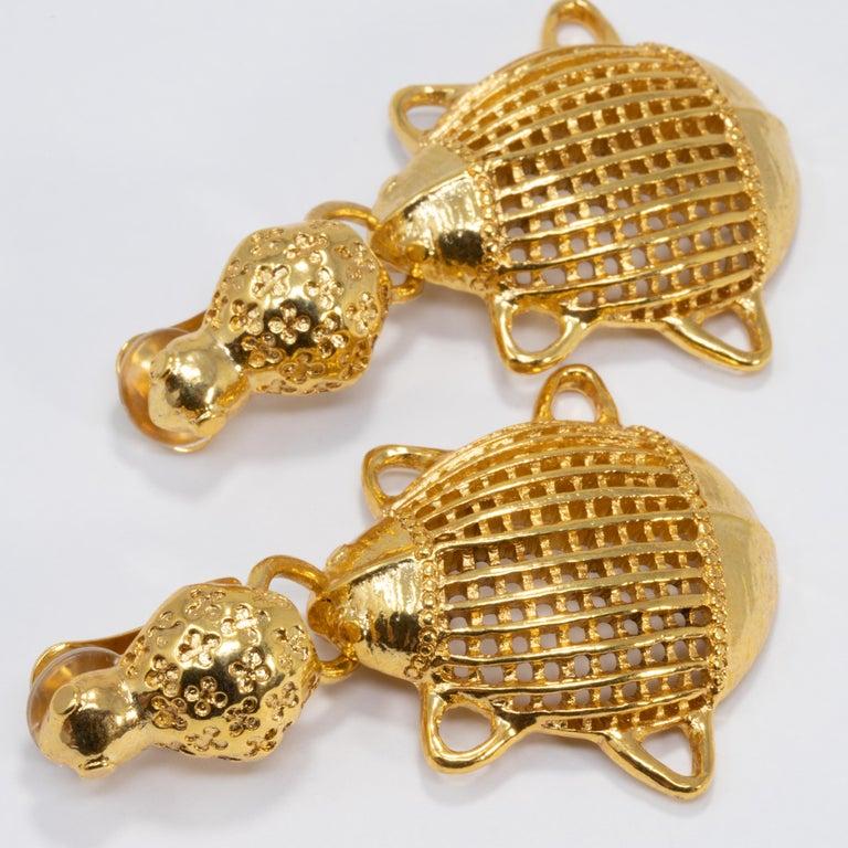 Oscar de la Renta Scarab Clip On Dangling Earrings In Gold In New Condition For Sale In Milford, DE