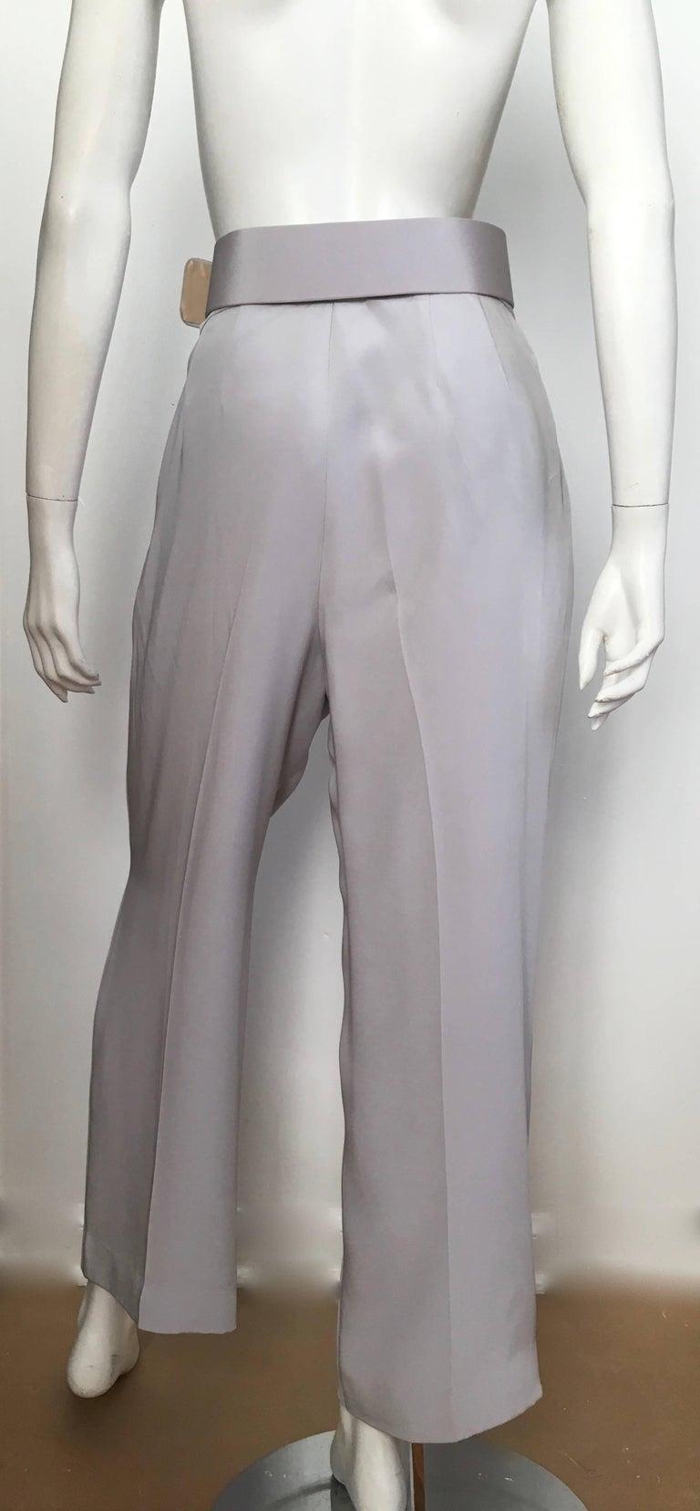 Oscar de la Renta Silver Grey Silk Pleated Pants with Pockets & Belt Size 6. For Sale 3