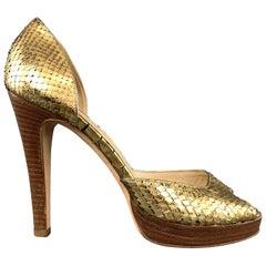 OSCAR DE LA RENTA Size 7 Gold Metallic Snake Skin Peep Toe Pumps