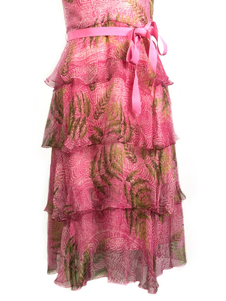 OSCAR DE LA RENTA Sleeveless Pink Midi Dress w/ Belt Size 6 In Excellent Condition For Sale In Beverly Hills, CA