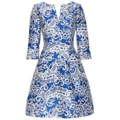 OSCAR DE LA RENTA SS14 blue white baroque print V-neck dual pocket dress US0 XS