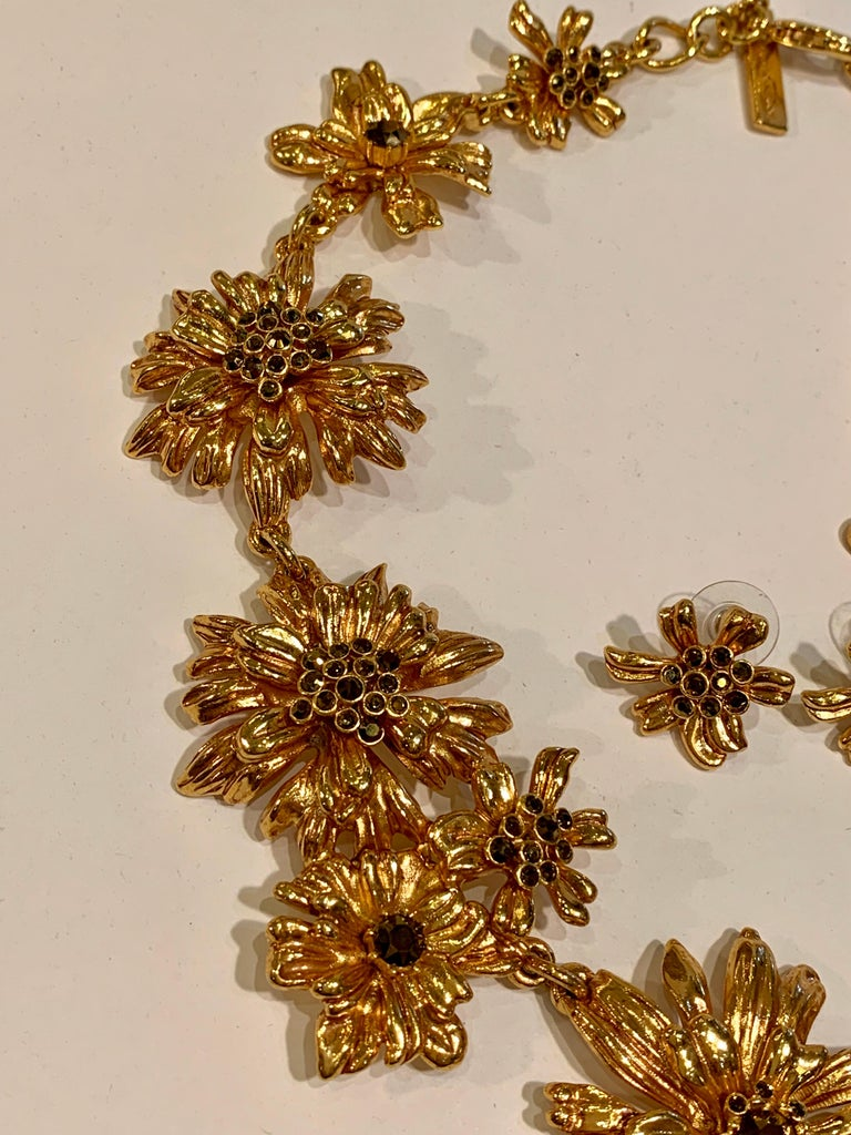 Oscar de la Renta Swarovski Crystal Flower Collar Necklace and Matching Earrings For Sale 4