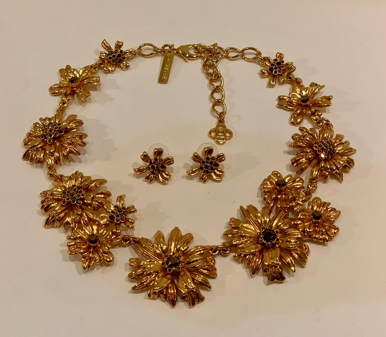 Oscar de la Renta Swarovski Crystal Flower Collar Necklace and Matching Earrings For Sale 7