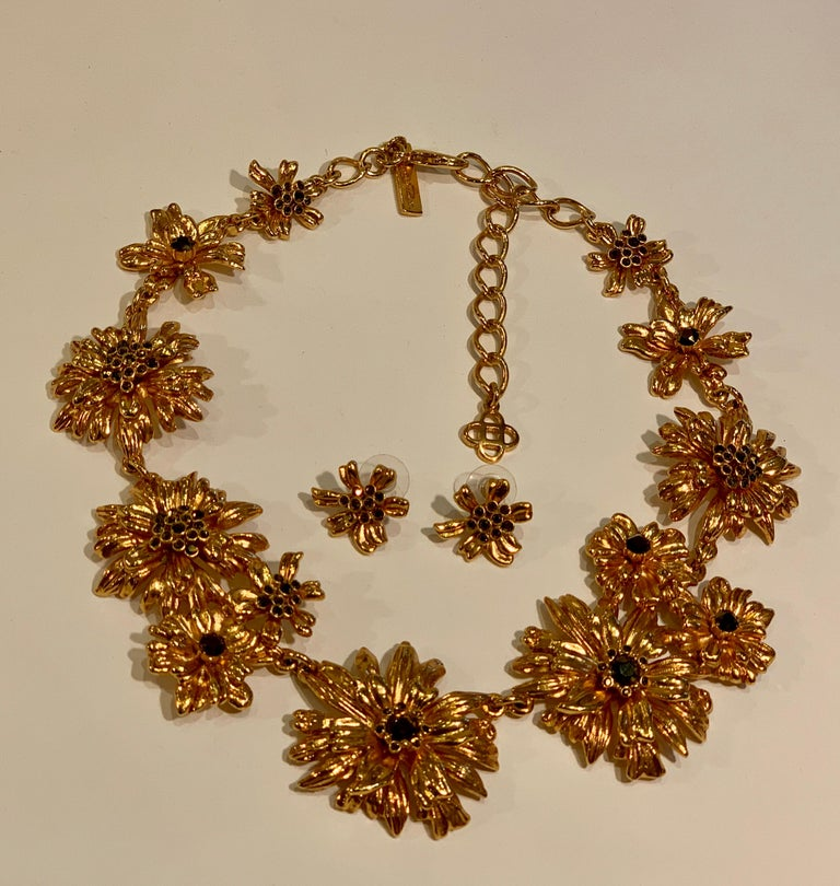 Round Cut Oscar de la Renta Swarovski Crystal Flower Collar Necklace and Matching Earrings For Sale