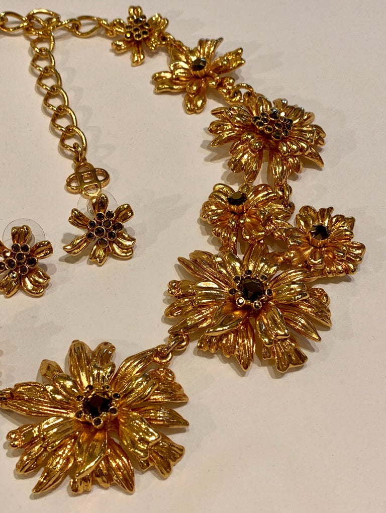 Oscar de la Renta Swarovski Crystal Flower Collar Necklace and Matching Earrings For Sale 3