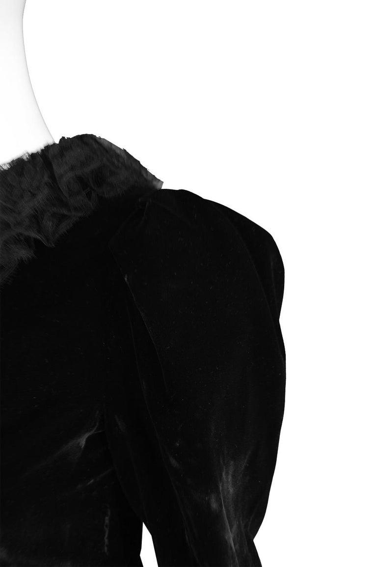 Oscar De La Renta Vintage Black Velvet & Lace Embroidered Party Dress, 1980s For Sale 6
