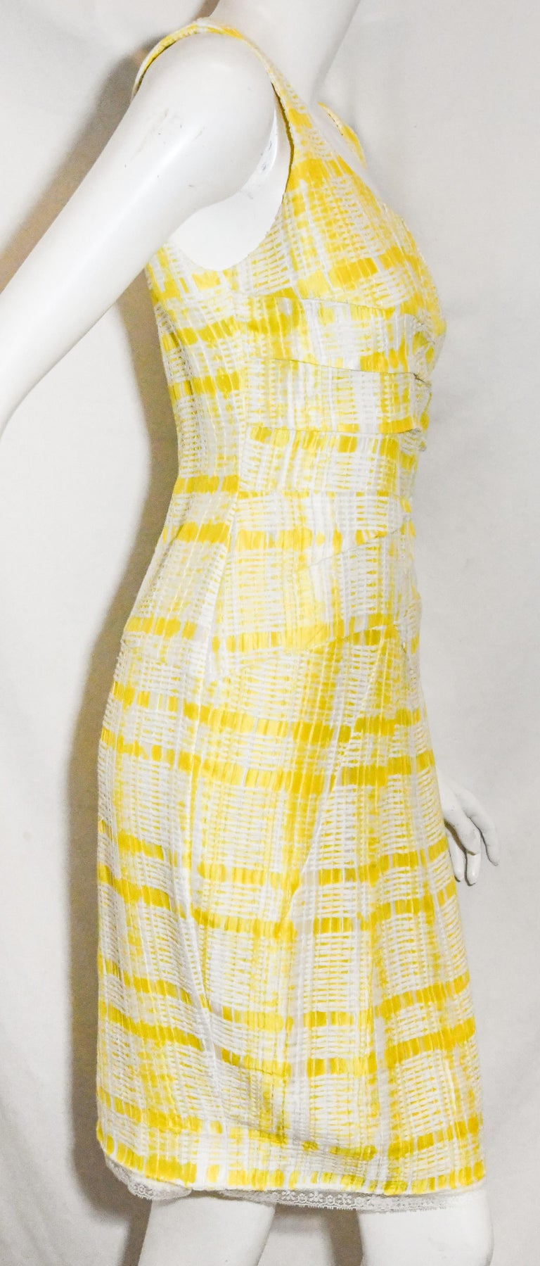Women's Oscar de la Renta Yellow and White Sleeveless Textured Dress For Sale