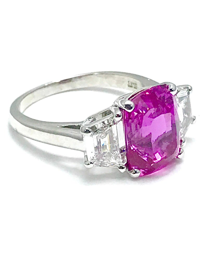 Oscar Heyman 6.32ct Cushion Pink Sapphire and Trapezoid Diamond Platinum Ring In Excellent Condition For Sale In Washington, DC