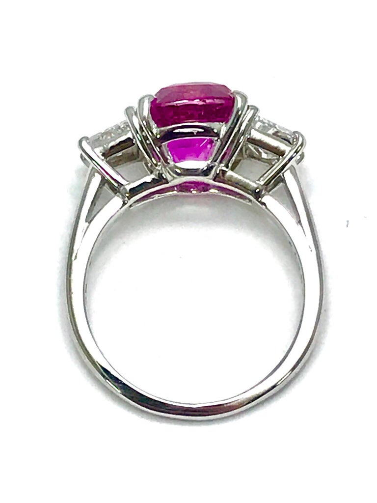 Oscar Heyman 6.32ct Cushion Pink Sapphire and Trapezoid Diamond Platinum Ring For Sale 1