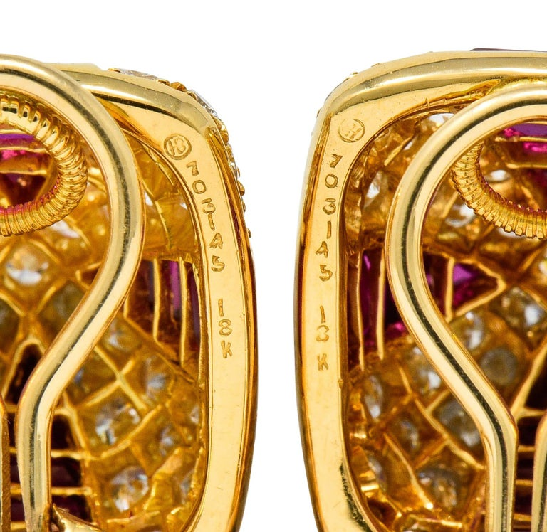 Women's or Men's Oscar Heyman 9.02 Carat Diamond Ruby 18 Karat Gold Pave Pyramidal Ear-Clip Earri For Sale