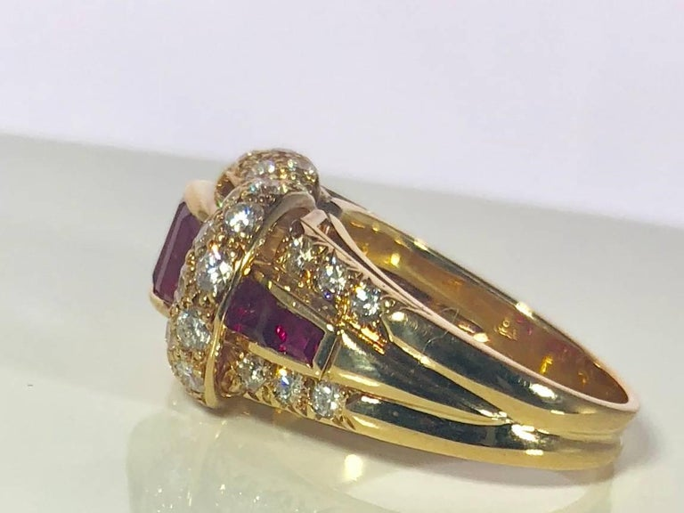 Oscar Heyman and Brothers 18 Karat Gold, Ruby and Diamond Cocktail Ring For Sale 8