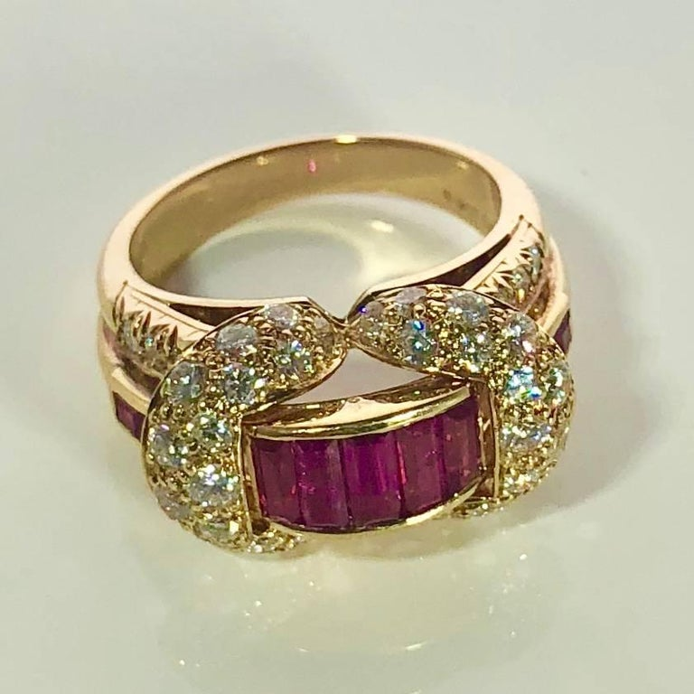 Women's or Men's Oscar Heyman and Brothers 18 Karat Gold, Ruby and Diamond Cocktail Ring For Sale
