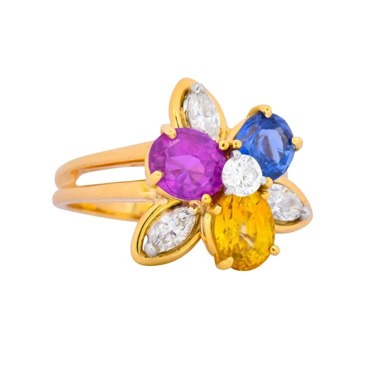 Retro Oscar Heyman Bros. 4.05 Carats Sapphire Diamond 18 Karat Gold Floral Ring For Sale