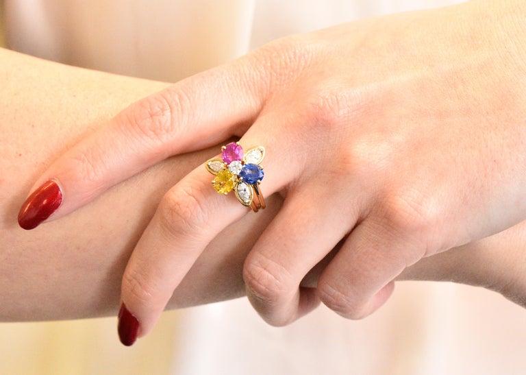 Oscar Heyman Bros. 4.05 Carats Sapphire Diamond 18 Karat Gold Floral Ring For Sale 1