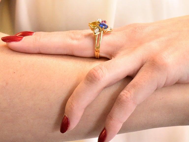 Oscar Heyman Bros. 4.05 Carats Sapphire Diamond 18 Karat Gold Floral Ring For Sale 2