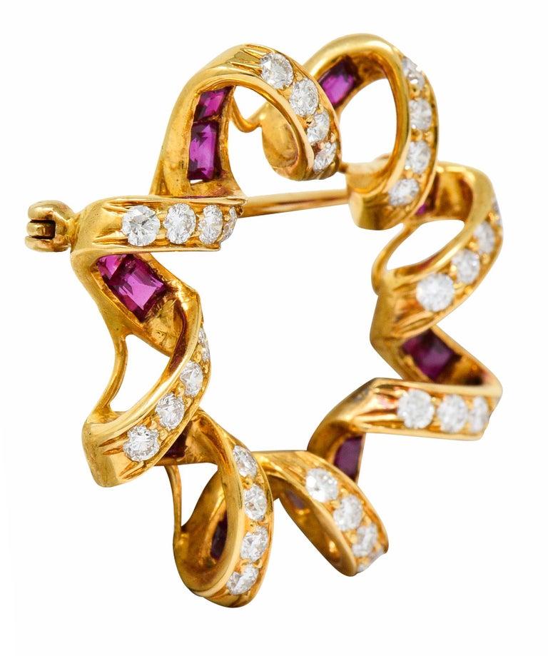 Modernist Oscar Heyman Bros. Ruby Diamond 18 Karat Gold Starburst Brooch For Sale