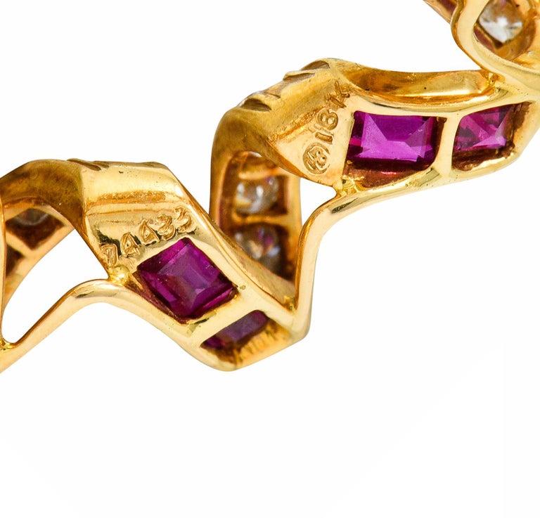 Oscar Heyman Bros. Ruby Diamond 18 Karat Gold Starburst Brooch In Excellent Condition For Sale In Philadelphia, PA