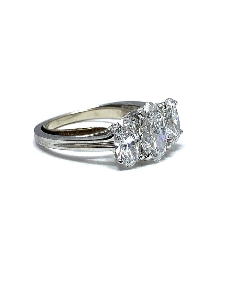 Modern Oscar Heyman & Brothers 2.46 Carat Three Oval Brilliant Diamond Platinum Ring For Sale