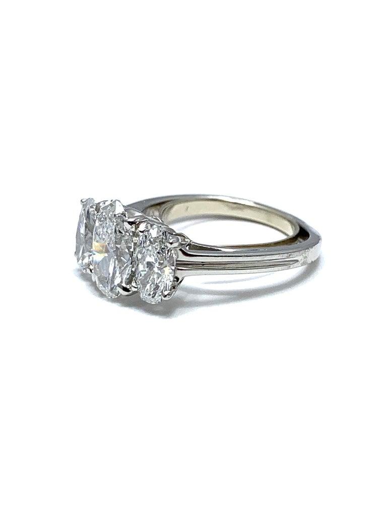 Oval Cut Oscar Heyman & Brothers 2.46 Carat Three Oval Brilliant Diamond Platinum Ring For Sale